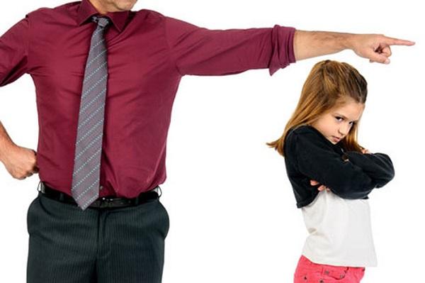 Куда жаловаться на нарушение прав несовершеннолетних
