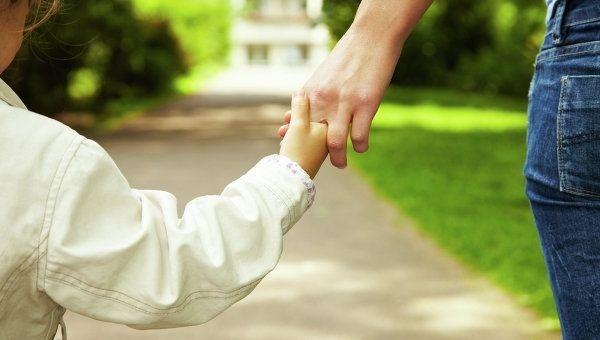 Передача ребенка в приемную семью и порядок ее оформления