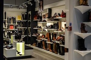 Всё, что нужно знать об обязанностях продавца-консультанта обуви