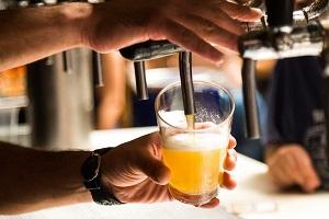 Лицензия не нужна: требования законодательства к продаже разливного пива